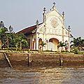 Sur le Mékong - église