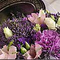 Pour ma maman, fleurs dans un camaïeu mauve et rose…
