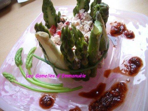 Couronne d'asperges à la ricotta et coulis de balsamique aux fraises