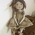 Laurette souliers roses et robe tilleul..(35cm)