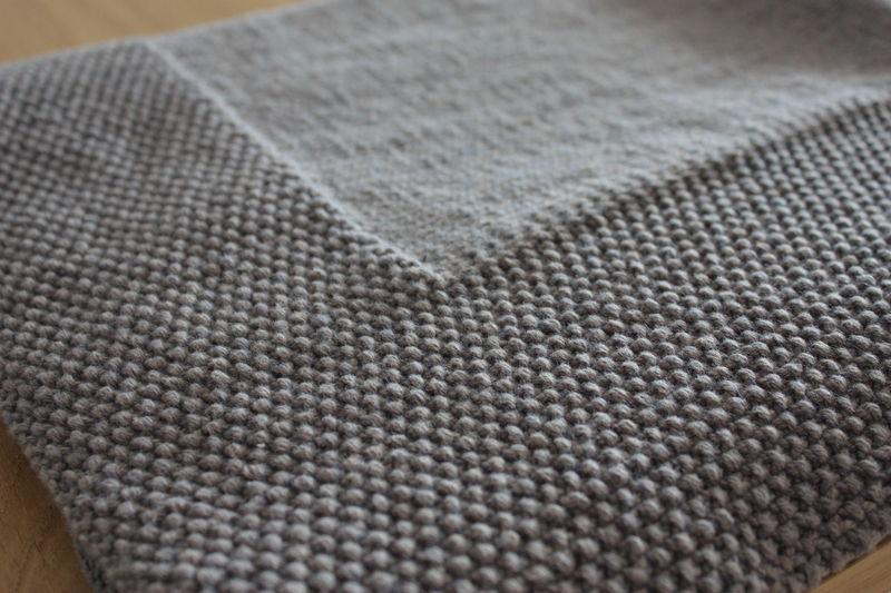 couverture tricotée pour bébé Un peu de tricot tout de même !   Chouquette et Cie couverture tricotée pour bébé