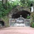 Paimpont, Grotte commémorant l'apparition de Marie à Saint Judicaël