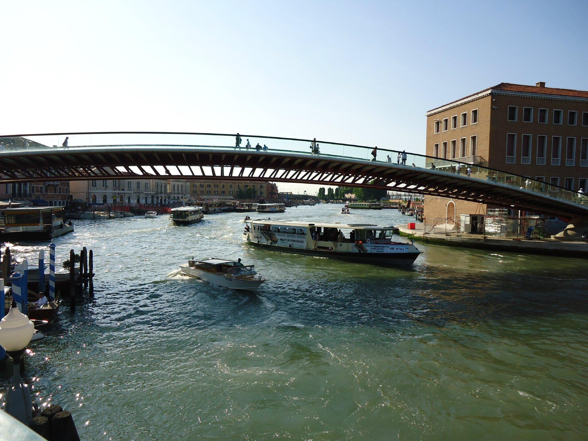 le nouveau pont reliant la Piazzale Roma à la gare