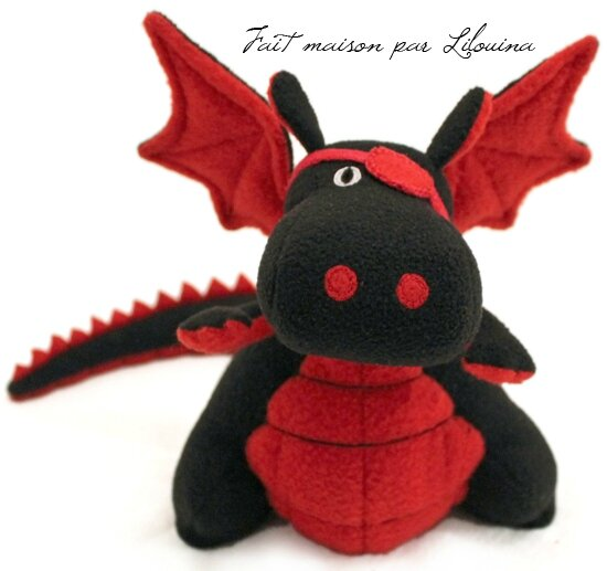 doudou dragon fait maison par lilouina. Black Bedroom Furniture Sets. Home Design Ideas