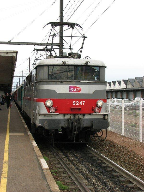 BB 9247 à St Pierre des Corps, les 2 pantographes levés!